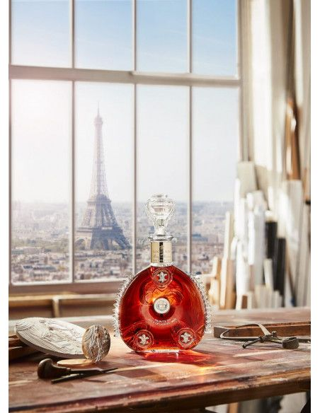 Rémy Martin Louis XIII Time Collection: City of Lights - 1900 Cognac 08