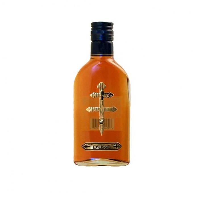 D'Ussé VSOP Flask Cognac 01