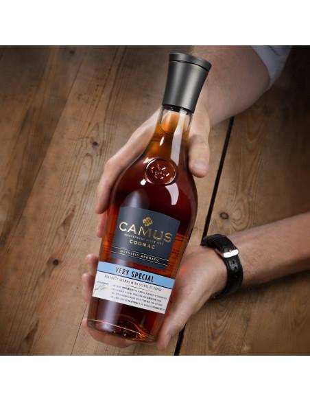 Camus VS Intensely Aromatic Cognac 07