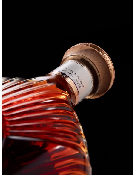 Camus XO Borderies Family Reserve Cognac 011