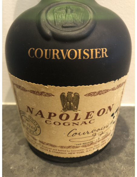Courvoisier Napoleon Cognac 012