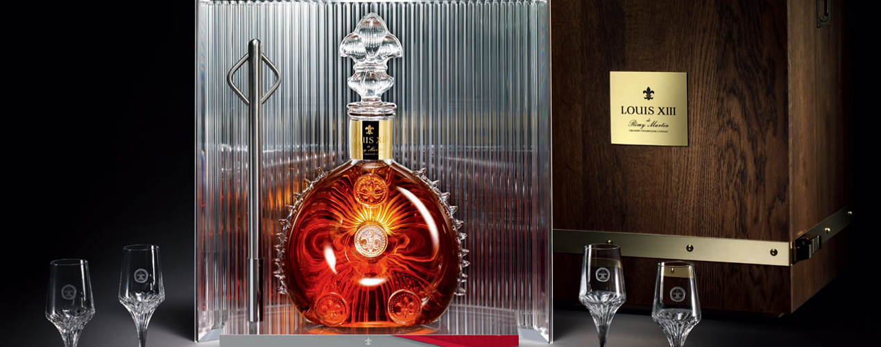 Louis XIII displayed with glasses and box